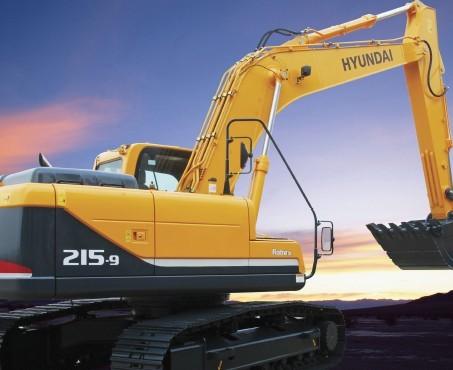 R215-9挖掘机