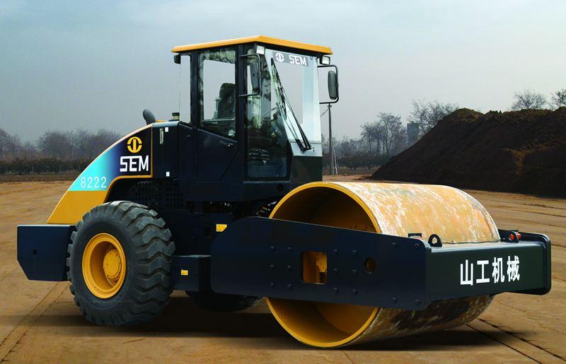 SEM8222压路机