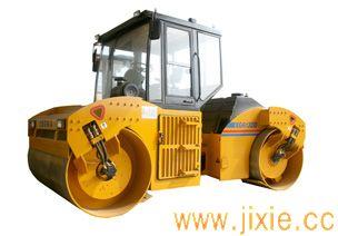XG6132D压路机