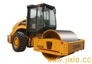 XG6224M压路机